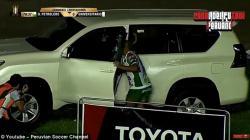 Selebrasi gol masuk mobil ala pesepakbola di laga Piala Libertadores