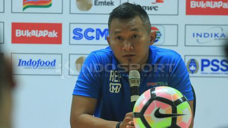 Pelatih PS TIRA, Rudy Eka Priyambada. - INDOSPORT