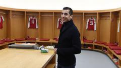 Indosport - Henrikh Mkhitaryan di ruang ganti Arsenal.