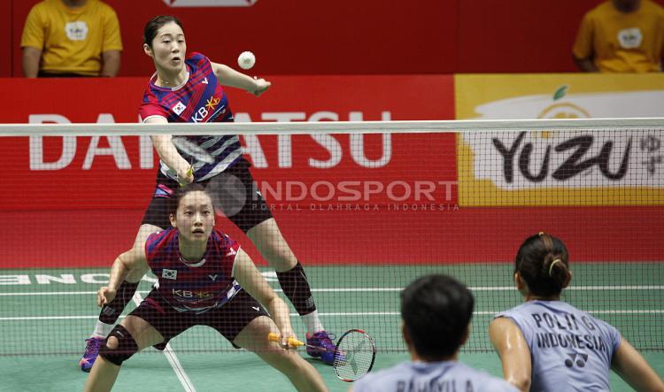Greysia Polii/Apriani Rahayu vs Chae Yoo Jung/Hye Rin Kim Copyright: Herry Ibrahim/Indosport.com