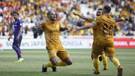 Selebrasi Striker BFC, David Aparecido Da Silva usai cetak gol pertama BFC ke gawang FC Tokyo.