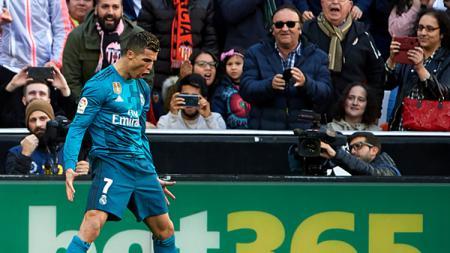 Selebrasi Ronaldo usai mencetak gol. - INDOSPORT