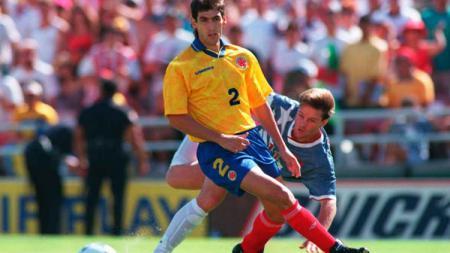 Legenda sepakbola Timnas Kolombia, Andres Escobar mengalami nasib tragis usai gol bunuh diri. - INDOSPORT