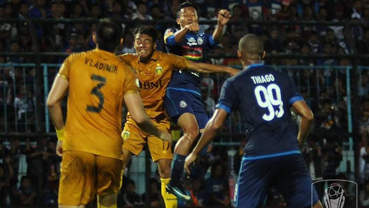 Arema FC vs Bhayangkara FC. Copyright: Piala Presiden 2018