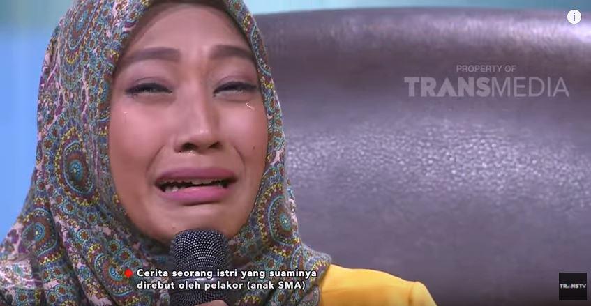 Wiwi Istri Atlet Agkat Besi Copyright: Trans TV