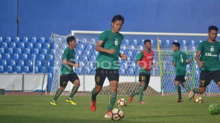 Adam Alis saat masih menjalani latihan bersama Sriwijaya FC. - INDOSPORT