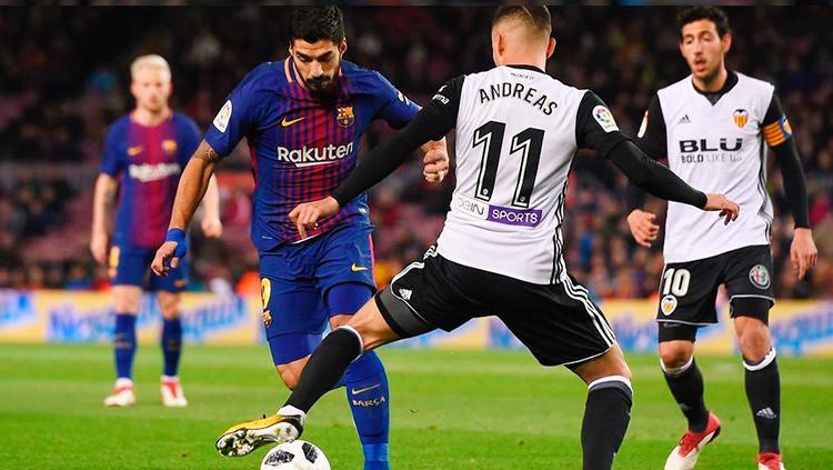 Luis Suarez saat tampil melawan Valencia di semifinal Copa del Rey 2017/18. Copyright: INDOSPORT