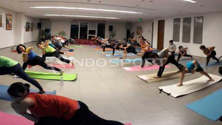 Tempat Yoga di Sanggar Prativhi - INDOSPORT
