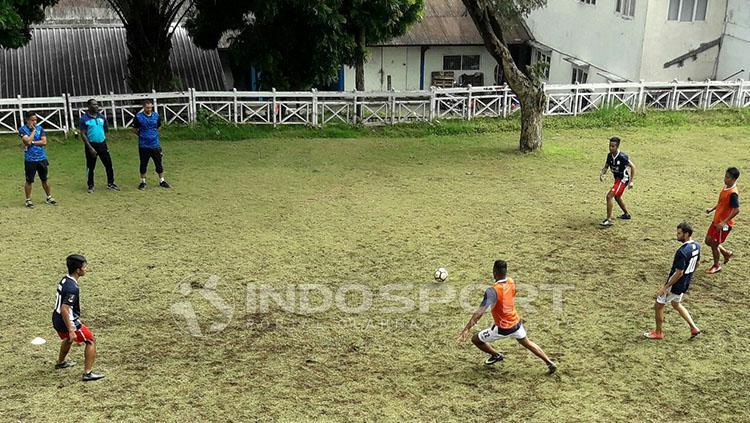 Suasana latihan pemain Barito Putera di Malang. Copyright: Ian Setiawan/INDOSPORT.