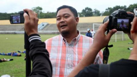General Manager PSIS Semarang, Wahyu Winarto, memberikan keterangan pers menjelang kick-off Liga 1 2020. - INDOSPORT