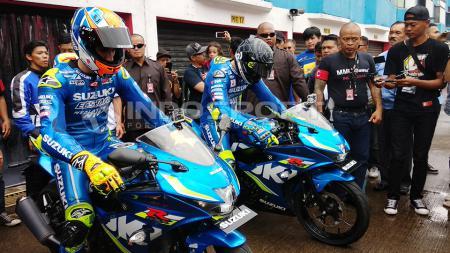 Andrea Iannone dan Alex Rins hadiri acara Suzuki Bike Meet Jamboree Nasional 2018 di Sirkui Sentul, Bogor. - INDOSPORT