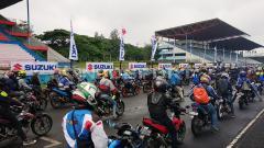 Indosport - Para peserta Suzuki Bike Meet Jamboree Nasional 2018 berkumbul di Sirkuit Sentul.
