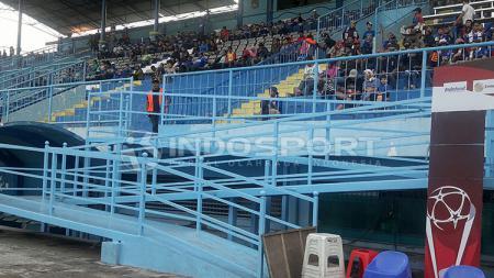 jalur khusus difabel di Stadion Kanjuruhan - INDOSPORT