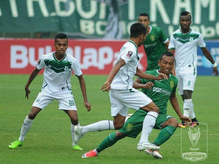 Persebaya Surabaya vs PSMS Medan Copyright: liga-indonesia.id