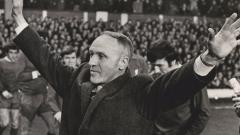 Indosport - Mantan pelatih legendaris Liverpool, Bill Shankly, mampu membawa revolusi jersey bagi The Reds yang berimbas pada kejayaan di Eropa dan domestik