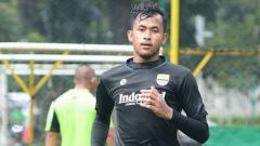 Indosport - Penjaga gawang Persib Bandung, M. Aqil Savik.