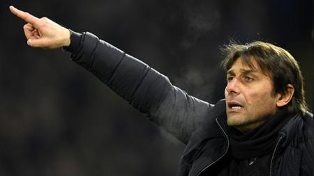 Antonio Conte saat masih melatih Chelsea. - INDOSPORT