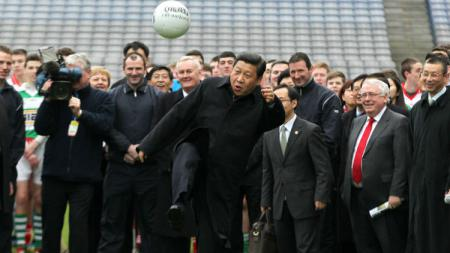 Presiden China dalam memperkenalkan sepakbola - INDOSPORT