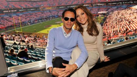Jenifer Lopez di Super Bowl. - INDOSPORT