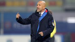 Indosport - Pelatih sepak bola SPAL, Luigi Di Biagio, membeberkan satu cara untuk bisa meredam pasukan Juventus dan berpotensi mengalahkan mereka di Serie A Liga Italia.