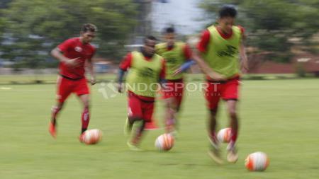 Asisten pelatih Mustaqim mengatakan latihan ini untuk menjaga stamina para pemain jelang laga semifinal dan Piala AFC. - INDOSPORT