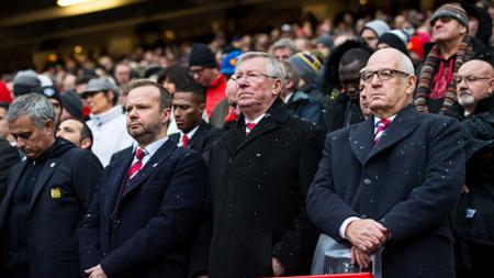 Sir Alex Ferguson mengikuti peringatan Tragedi Munchen. - INDOSPORT