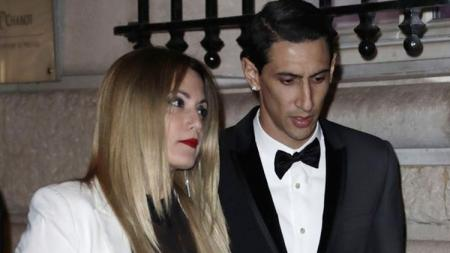Angel Di Maria dan istrinya, Jorgelina Cardoso. - INDOSPORT