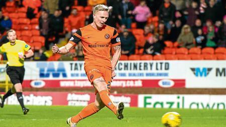 Nick van der Velden saat masih memperkuat  Dundee United. - INDOSPORT
