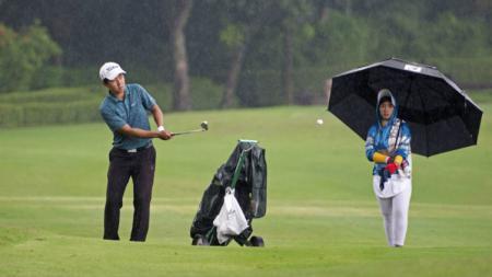George Gandranata menutup Seri I Indonesian Golf Tour dengan gelar juara. - INDOSPORT
