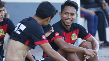 Keakraban Andik Vermansah dengan pemain Kedah FA.