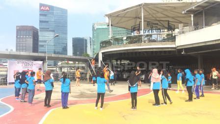 Kegiatan Workout Embassy bersama anak-anak yayasan SAJA.