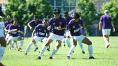 Indosport - PSM Makassar saat menjalani latihan.