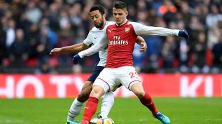Bintang Arsenal, Granit Xhaka, merapat ke AS Roma usai dirinya diminati oleh Jose Mourinho. Berikut 3 bintang Giallorossi yang bakal jadi korban kedatangannya. - INDOSPORT
