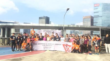 Komunitas Workout Embassy menggelar acara berta - INDOSPORT