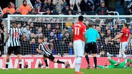 Newcastle United mengalahkan Manchester United dengan skor 1-0. - INDOSPORT
