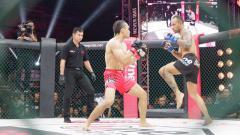 Indosport - Randy Pangalila sukses melakoni debut di ajang MMA dengan catatan apik.