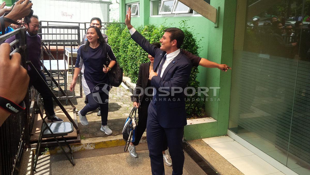 Legenda Inter Milan, Javier Zanetti tiba di Stadion Siliwangi, Kota Bandung. Copyright: Arif Rahman/Indosport.com