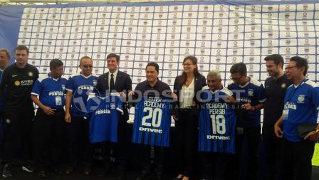 Javier Zanetti hadir di launching Akademi Persib Bandung.