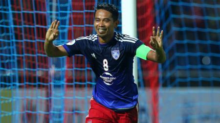 Pemain Johor Darul Takzim Mohd Safiq Rahim. - INDOSPORT