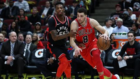 Bintang Chicago Bulls, Zach LaVine samai catatan Stephen Curry dan Klay Thompson. - INDOSPORT