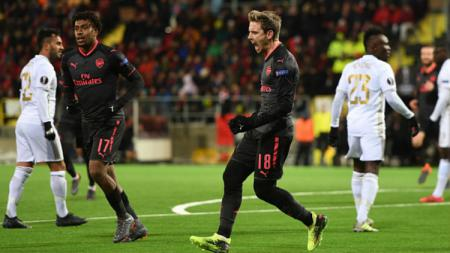 Nacho Monreal berselebrasi setelah mencetak gol melawan Ostersunds di 32 Besar Liga Europa. - INDOSPORT