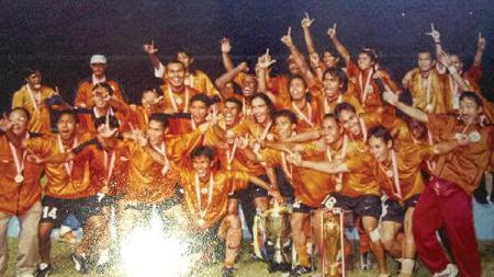 Persija Jakarta saat juara tahun 2001. - INDOSPORT