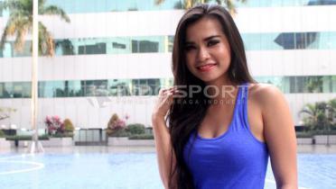 Maria Vania Ajarkan Olahraga di Rumah, Netizen: Maria Ozawa Indonesia