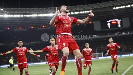 Luapan kegembiraan Marko Simic usai cetak gol di final Piala Presiden 2018.