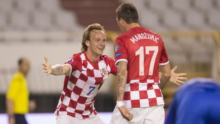 Rakitic dan Mandzukic berkostum Kroasia Copyright: dailymail.co.uk