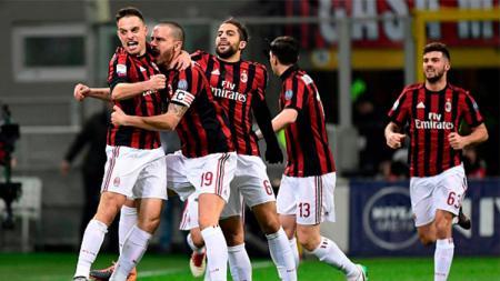 Merayakan gol pertama AC Milan kala menjamu Sampdoria. - INDOSPORT