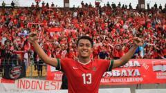 Indosport - Febri Hariyadi berbaju Timnas Indonesia.