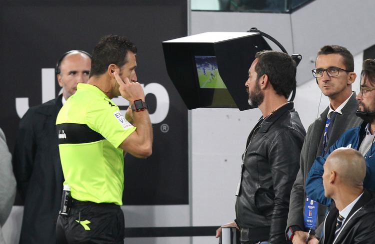 Wasit Seria A melihat Video VAR Copyright: The42