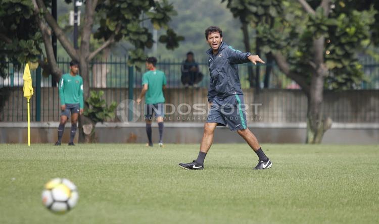 Luis Milla, pelatih Timnas U-23 Copyright: Herry Ibrahim/Indosport.com