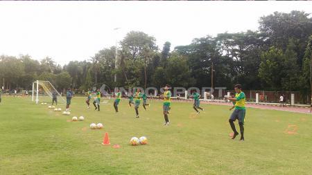 Suasana Latihan Timnas U-16 di hari pertama TC II. Sebanyak 25 pemain mengikuti TC kali ini. - INDOSPORT